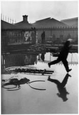 Henri Cartier Bresson - Derrière la gare Saint-Lazare, Paris, 1932.